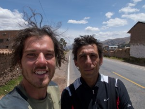 Voir plus - See more - Ver más 470. cruce para Acomayo - Aguas Calientes 02/10/2013